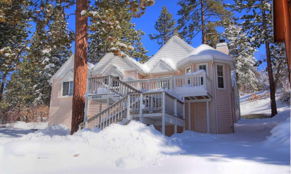 Big bear luxury cabins rentals moonridge chalet for Usmc big bear cabins